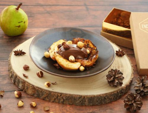 Brioche perdue caramélisée, crémeux chocolat noir, poires au sirop cacao et café