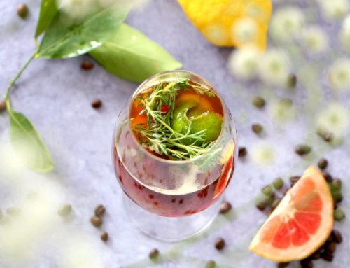 Cocktail Tonic Café-Genièvre & Agrumes